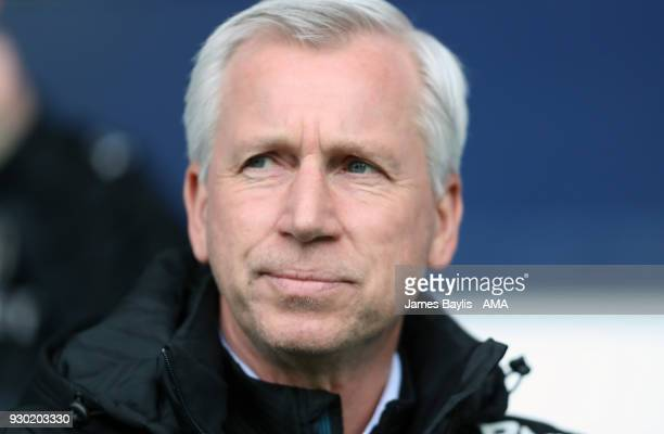 Alan Pardew the head coach / manager of West Bromwich Albion during the Premier League match between West Bromwich Albion and Leicester City at The...