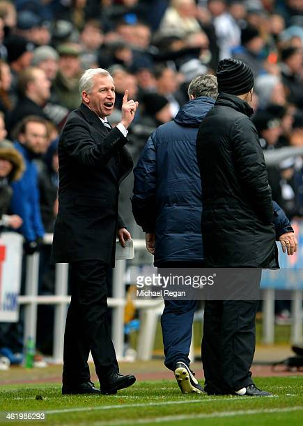 Alan Pardew the Newcastle manager complains to the fourth official after his team has a goal disallowed during the Barclays Premier League match...