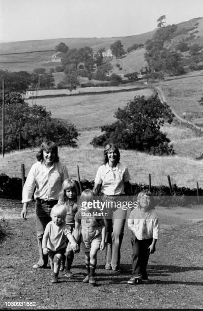 Alan Parker English director writer with his wife Annie and children Lucy Alexander Jake and Nathan August 23rd 1975