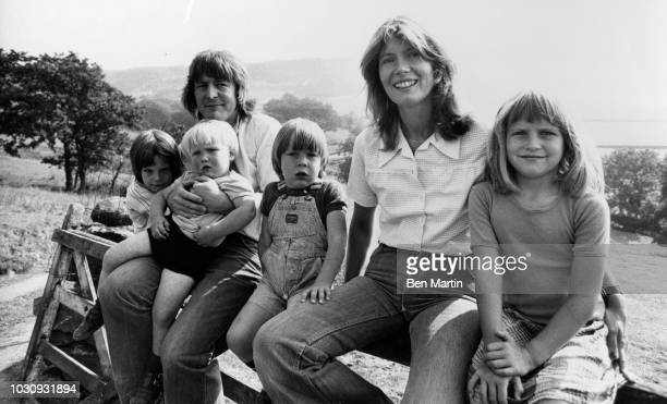 Alan Parker English director writer with his wife Annie and children Lucy Alexander Jake and Nathan in the English countryside August 23rd 1975