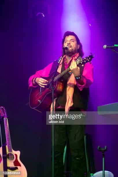 Alan Parsons der britische Musiker und Produzent mit seinem The Alan Parsons Live Project bei einem Konzert auf der openairBuehne/Freilichtbuehne im...