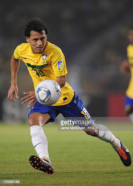 Alan Patrick of Brazil watches the ball during the FIFA U20 World Cup match between Brazil and Egypt at the Metropolitano Roberto Melendez stadium on...
