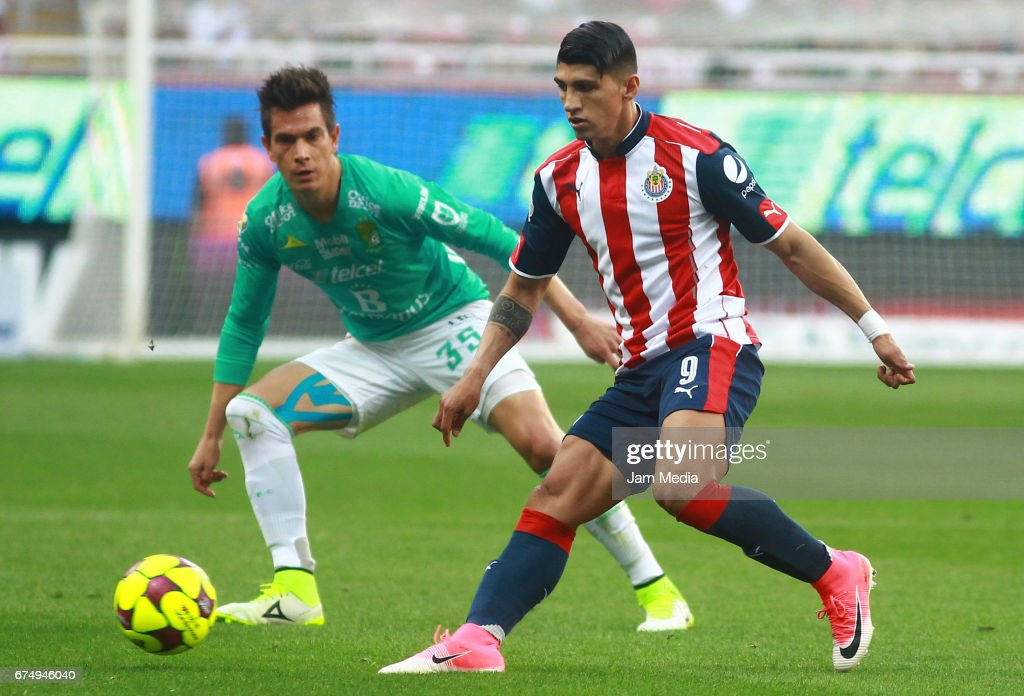 Chivas v Leon - Torneo Clausura 2017 Liga MX : News Photo
