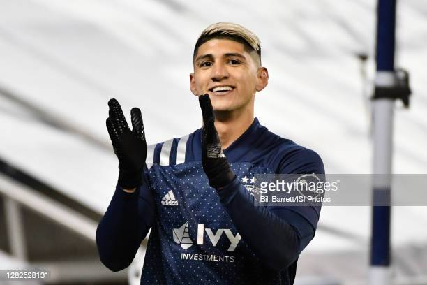 Alan Pulido of Sporting Kansas City during a game between Colorado Rapids and Sporting Kansas City at Children's Mercy Park on October 24, 2020 in...
