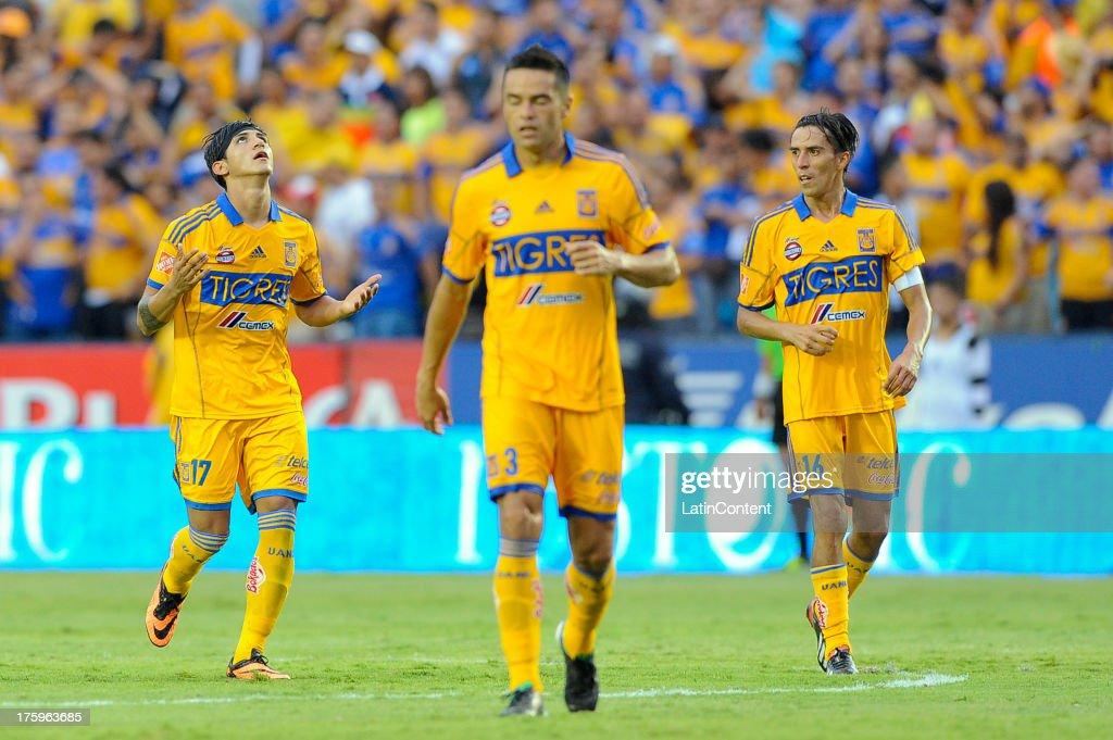 Tigres UANL v Club de Futbol Monterrey - Apertura 2013 Liga MX