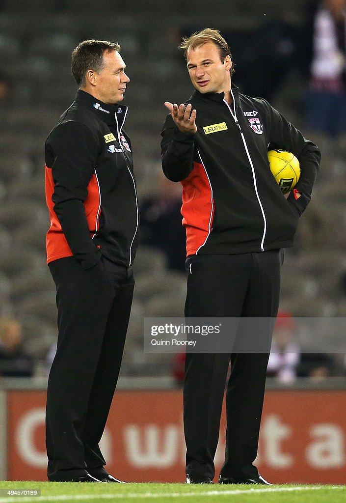 AFL Rd 11 - St Kilda v Collingwood