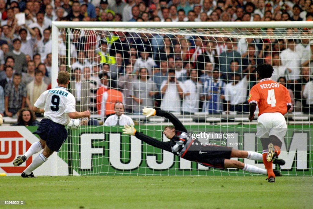 Euro 96 Shearer goal 3 : News Photo