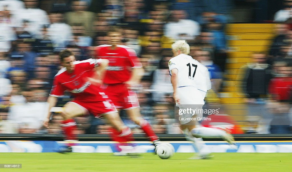Alan Smith of Leeds in action during the FA Barclaycard Premiership match between Leeds United and Charlton Athletic at Elland Road,on May 8, 2004 in Leeds, England.