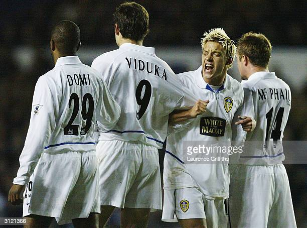 Alan Smith of Leeds organises team mates in the wall during the FA Barclaycard Premiership match between Leeds United and Manchester City at Elland...