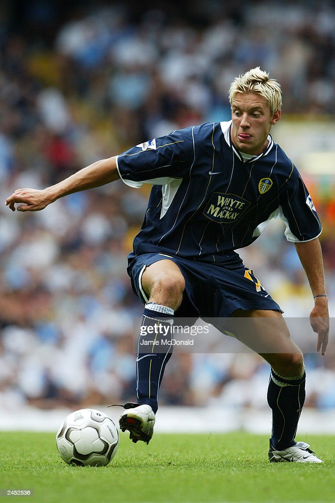Alan Smith of Leeds United runs with the ball during the FA Barclaycard Premiership match between Tottenham Hotspur and Leeds United held on August 23, 2003, at White Hart Lane, in London. Tottenham Hotspur won the match 2-1.
