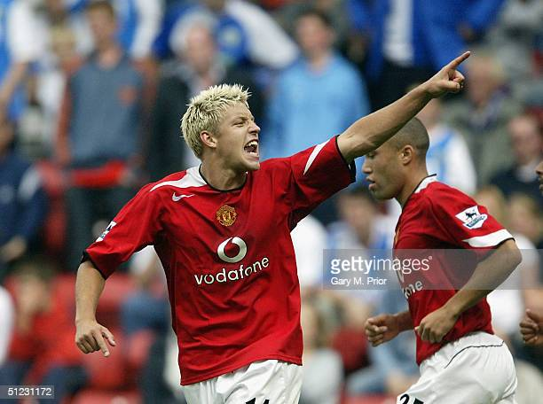 Alan Smith of Manchester United celebrates scoring during the FA Barclays Premiership match between Blackburn Rovers and Manchester United at Ewood...