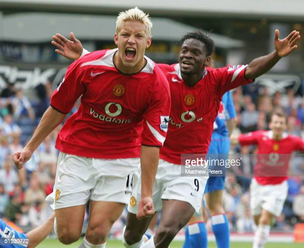Alan Smith of Manchester United celebrates scoring the second goal during the Barclays Premiership match between Blackburn Rovers and Manchester...