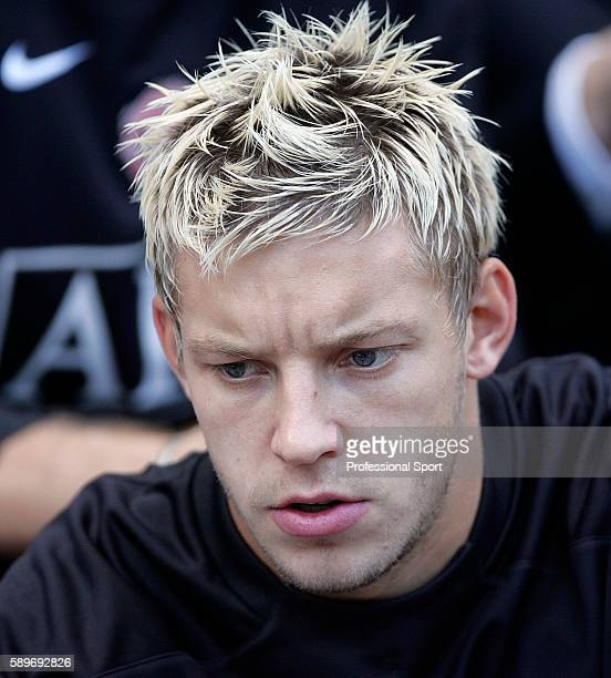 Alan Smith of Manchester United during the Barclays Premiership match between Wigan Athletic and Manchester United at the JJB Stadium on October 14...