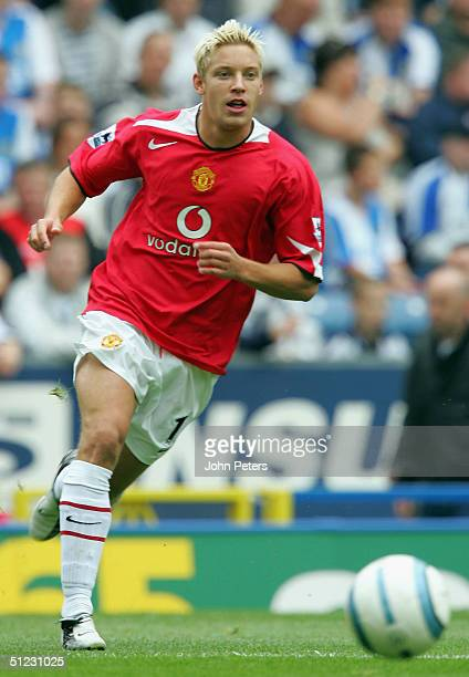 Alan Smith of Manchester United in action on the ball during the Barclays Premiership match between Blackburn Rovers and Manchester United Ewood Park...