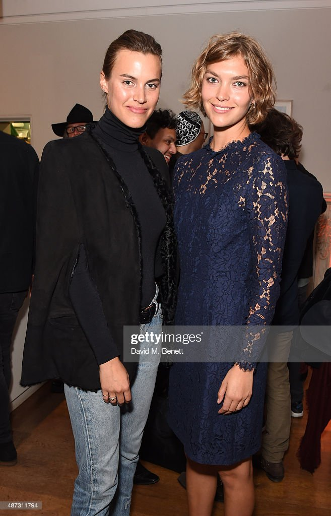 Alana Bunte (L) and Arizona Muse attend the launch of the Academicians' Room private members club in The Keeper's House at The Royal Academy of Arts on September 8, 2015 in London, England.
