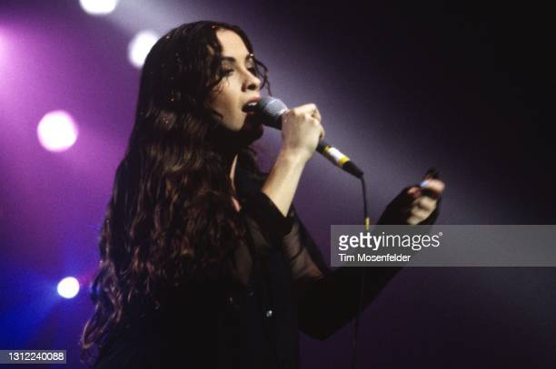 Alanis Morissette performs at the Warfield on November 15, 1995 in San Francisco, California.
