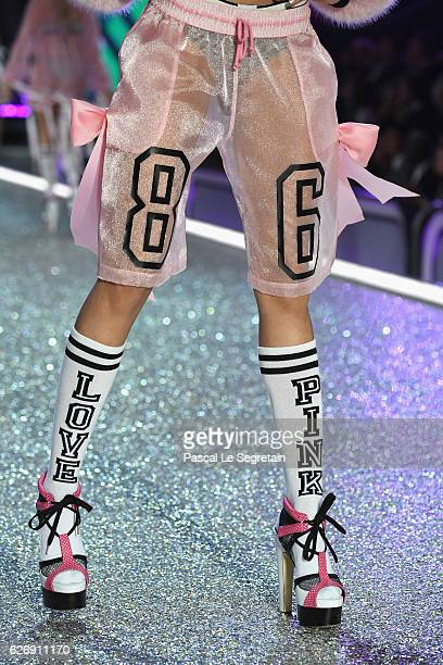 Alanna Arrington walks the runway at the Victoria's Secret Fashion Show on November 30 2016 in Paris France