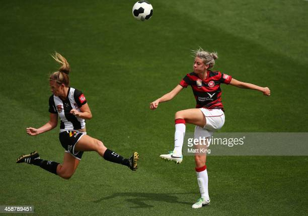 Alanna Kennedy of the Wanderers competes with Jasmine Courtenay of the Jets during the round six ALeague match between the Western Sydney Wanderers...