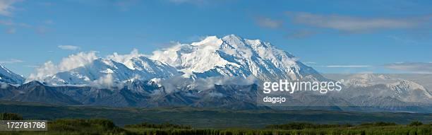 アラスカ山脈 ストックフォトと...