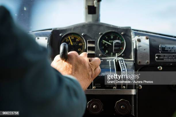 alaskan bush pilot piloting float plane - piloting stock pictures, royalty-free photos & images