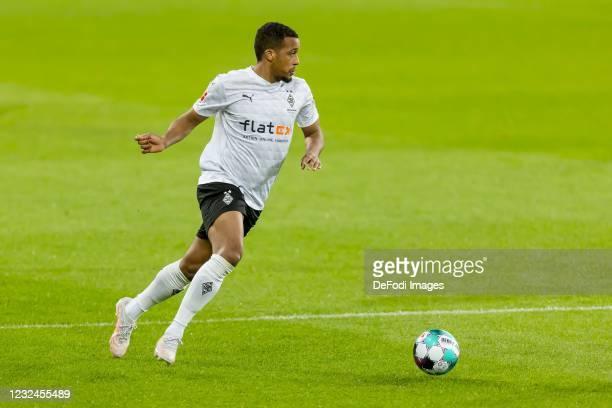 Alassane Plea of Borussia Moenchengladbach controls the ball during the Bundesliga match between TSG Hoffenheim and Borussia Moenchengladbach at...