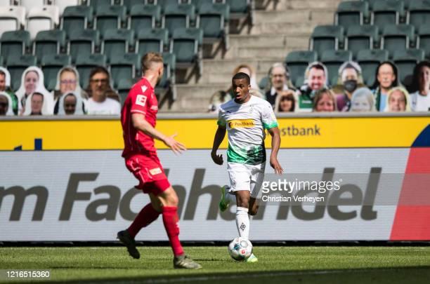Alassane Plea of Borussia Moenchengladbach in action during the Bundesliga match between Borussia Moenchengladbach and 1 FC Union Berlin at...