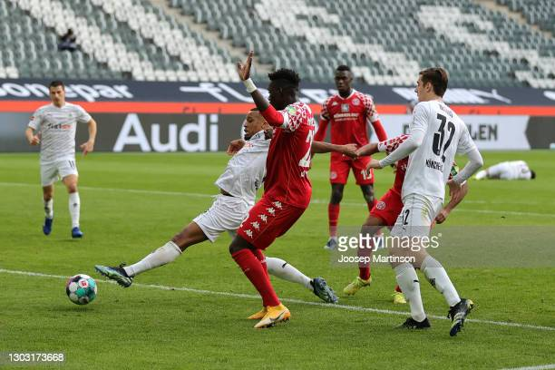 Alassane Plea of Borussia Moenchengladbach shoots during the Bundesliga match between Borussia Moenchengladbach and 1. FSV Mainz 05 at Borussia-Park...