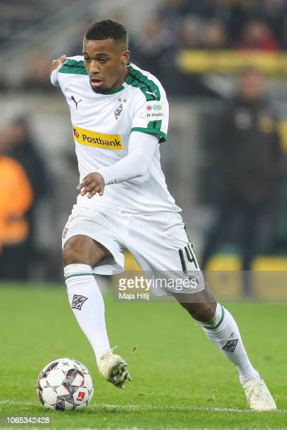 Alassane Plea of Borussia Monchengladbach controls the ball during the Bundesliga match between Borussia Moenchengladbach and Hannover 96 at...