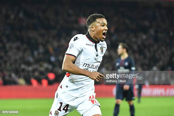 Alassane Plea of Nice celebrates after scoring during the French Ligue 1 match between Paris Saint Germain and Nice at Parc des Princes on December...