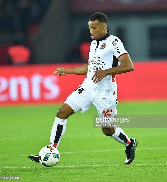 Alassane Plea of Nice in action during the French Ligue 1 football match between Paris SaintGermain and OGC Nice at the Parc des Princes Stadium in...