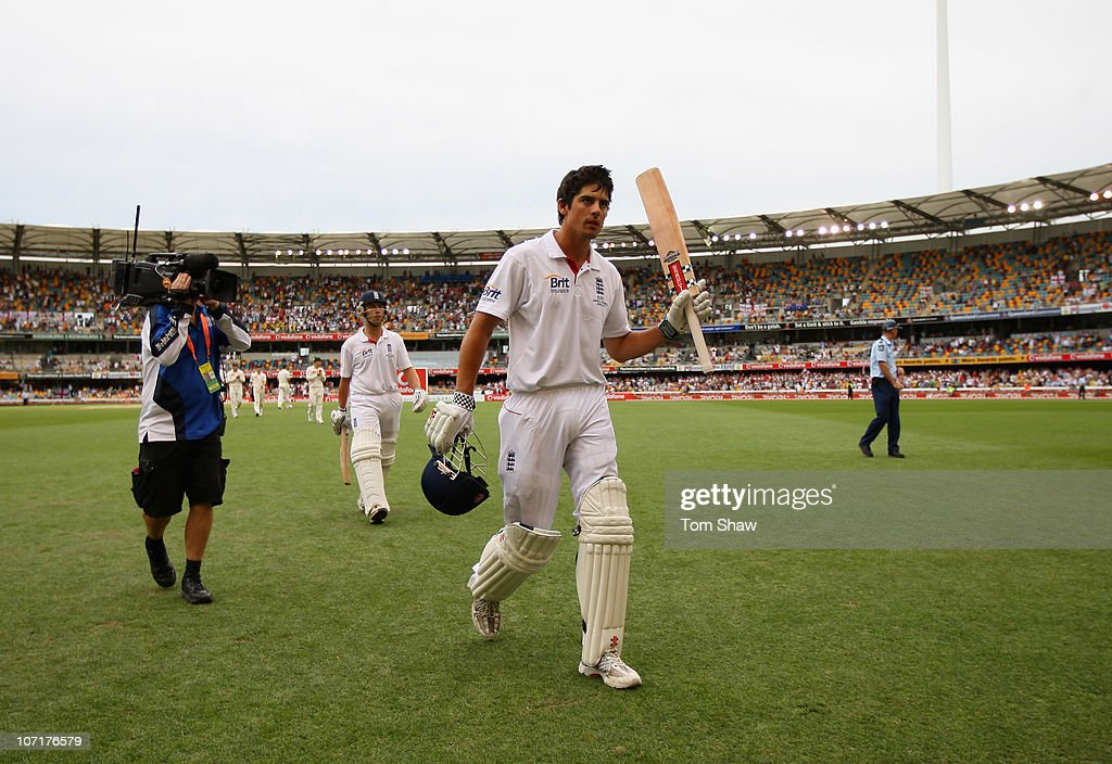 First Test - Australia v England: Day Four : News Photo