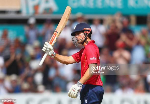 Alastair Cook of Essex acknowledges the crowd as he scores a century during the Royal London OneDay Cup Semi Final between Essex and Nottinghamshire...
