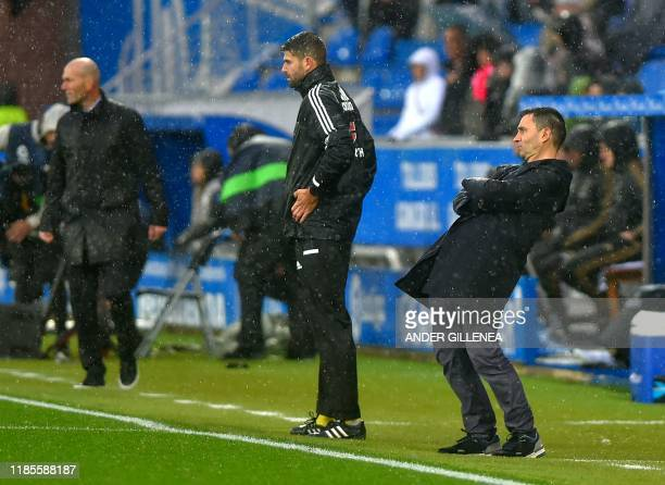 Alaves' Spanish coach Asier Garitano gestures during the Spanish league football match between Deportivo Alaves and Real Madrid CF at the...
