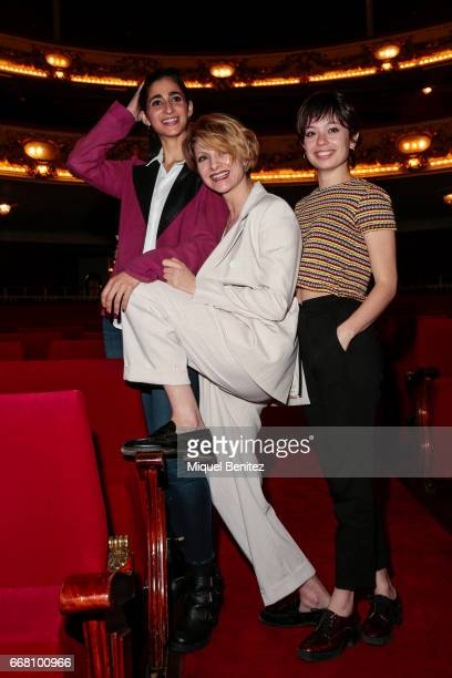 Alba Flores Najwa Nimri and Anna Castillo pose during a presentation for her latest theater production 'Drac Pack' at the Theater Tivoli on April 13...