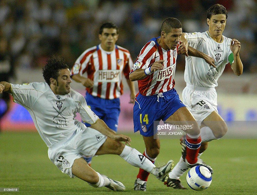 Albacete's Alvaro rubio (R) and Paco Pen : News Photo