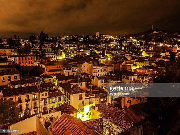 albaicin at night - albaicín fotografías e imágenes de stock