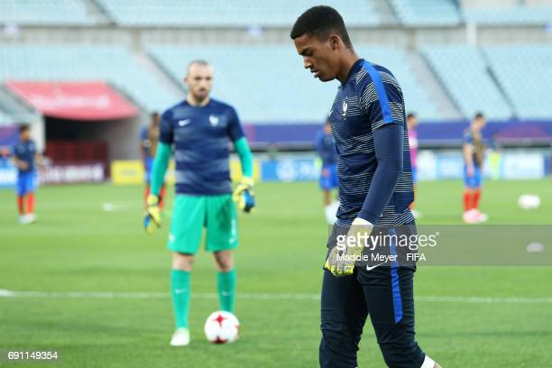 Alban Lafont of France and Paul Bernardoni warm up before the FIFA U20 World Cup Korea Republic 2017 Round of 16 match between France and Italy at...