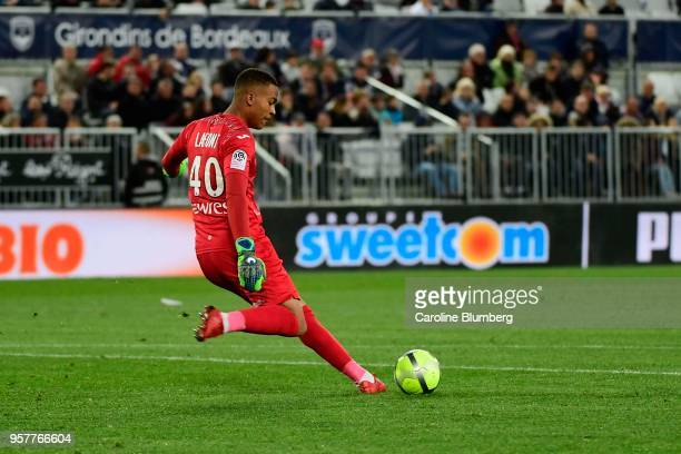 Alban Lafont of Toulouse during the Ligue 1 match between Bordeaux and Toulouse at Stade Matmut Atlantique on May 12 2018 in Bordeaux