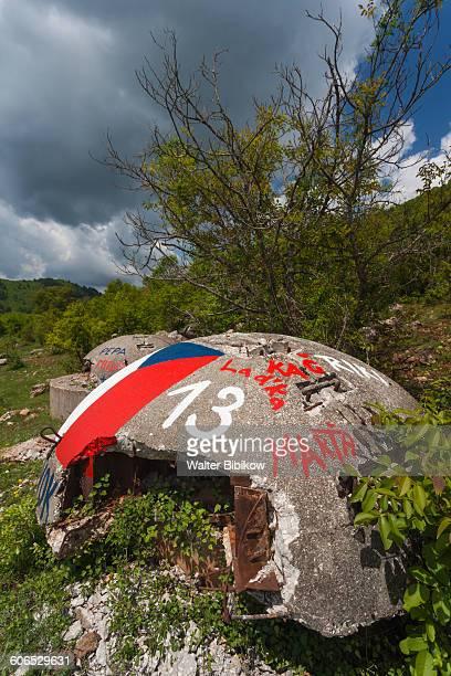albania, barmash, exterior - bandiera albanese foto e immagini stock