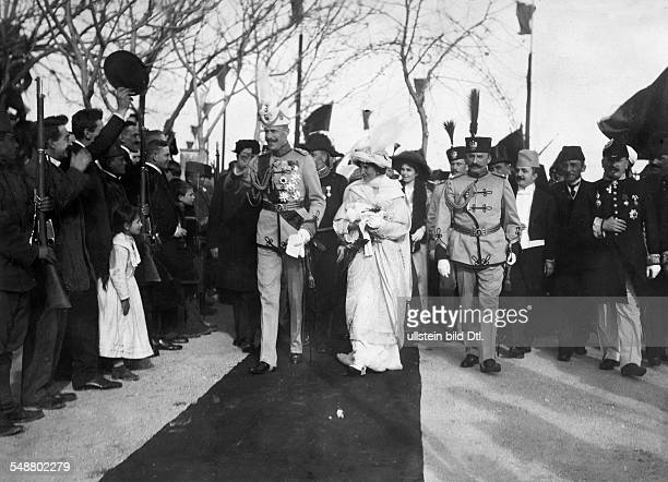Albania Prince William of Prince of Wied *26031876 Prince of Albania during his arrival in Durres with his wife Sophia 1914 Photographer Nicola...