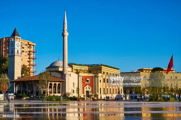 albania, tirana, skanderbeg square - tirana stockfoto's en -beelden