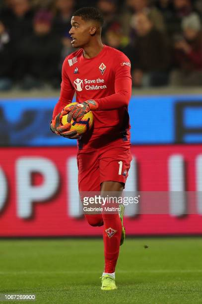AlbanMarc Lafont of ACF Fiorentina in action during the Serie A match between ACF Fiorentina and Juventus at Stadio Artemio Franchi on December 1...