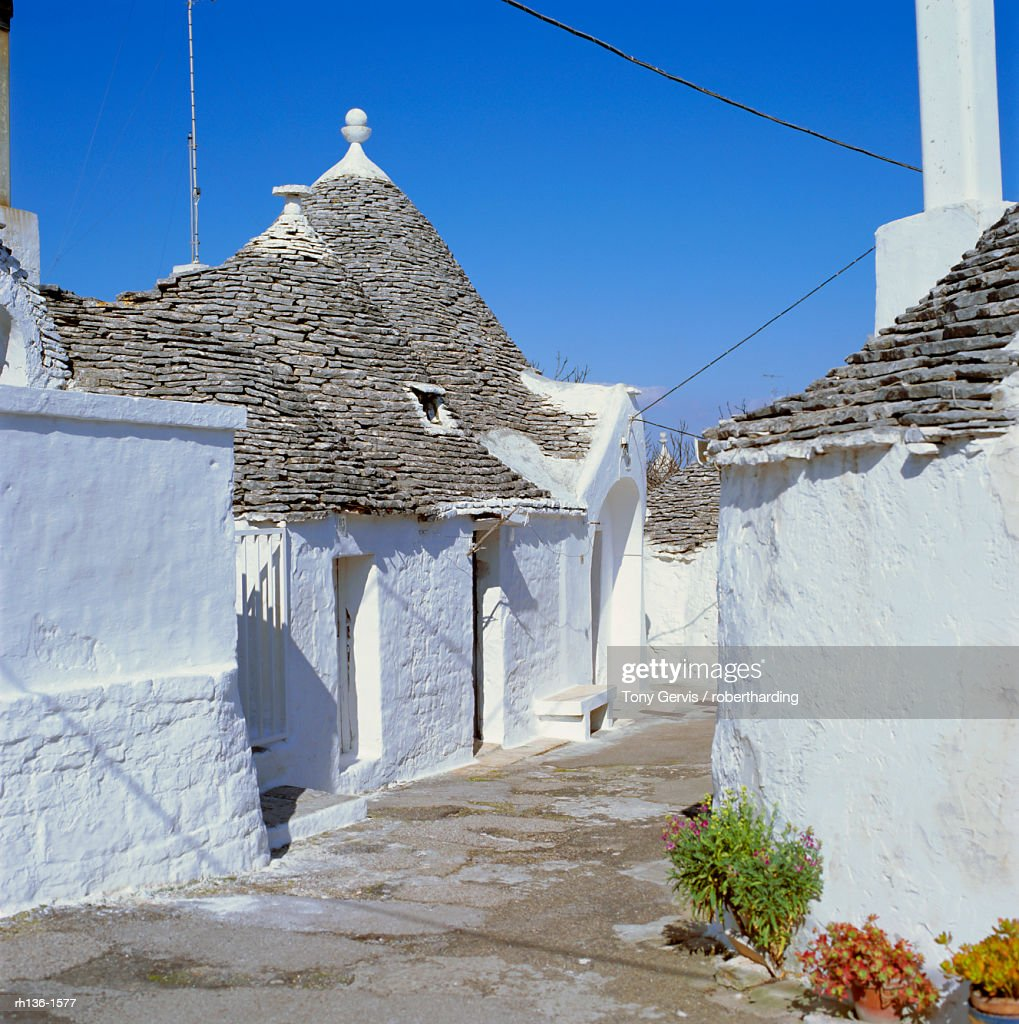 Alberobello, typical Trulli houses, Puglia (Apulia), Italy : Foto de stock