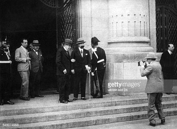 Albers Hans Actor Germany *22091891 filming French foreign minister Aristide Briand in front of the building of the League of Nations in Geneva 1930...