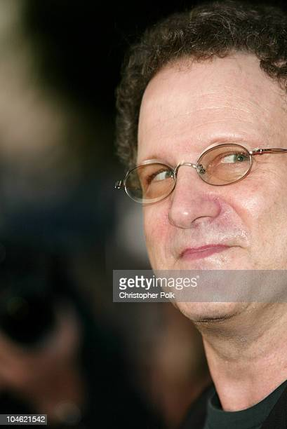 Albert Brooks during A Special Screening og MGM's It Runs In The Family Premiere Arrivals at Mann Bruin Theatre in Westwood CA United States
