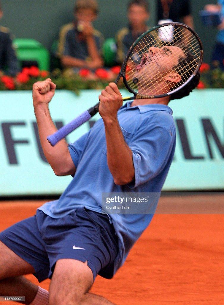 2002 French Open - Men's Fourth Round - Albert Costa v Gustavo Kuerten