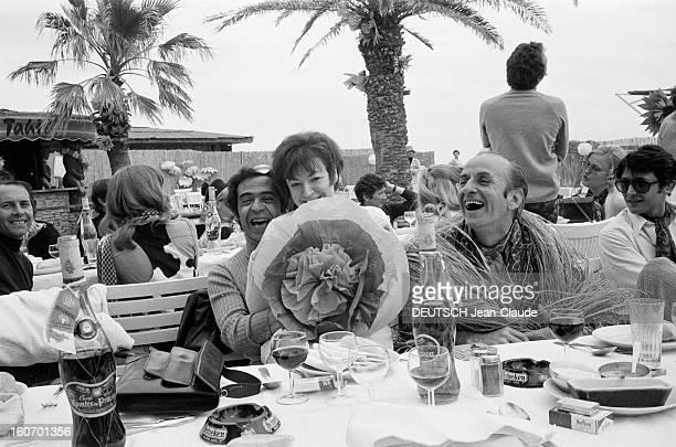 Albert Debarge Marries Josianne Rousset In Sainttropez SaintTropez 14 Avril 1969 Lors du mariage d' Albert DEBARGE et Josianne ROUSSET des convives...
