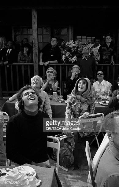 Albert Debarge Marries Josianne Rousset In Sainttropez SaintTropez 14 Avril 1969 Lors de leur mariage en extérieur Albert DEBARGE assis au centre au...