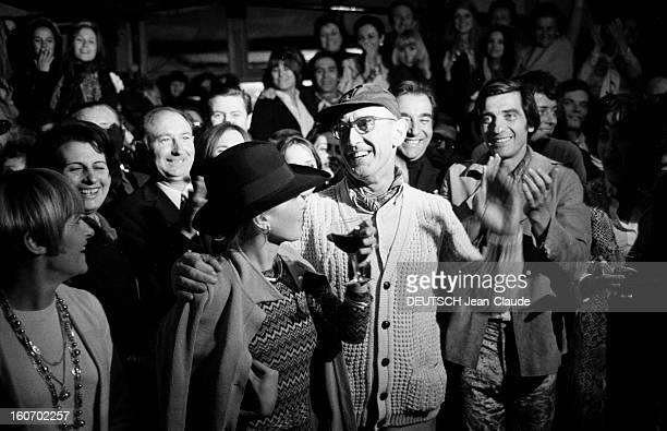 Albert Debarge Marries Josianne Rousset In Sainttropez SaintTropez 14 Avril 1969 Lors de leur mariage Albert DEBARGE en gilet et casquette tenant par...