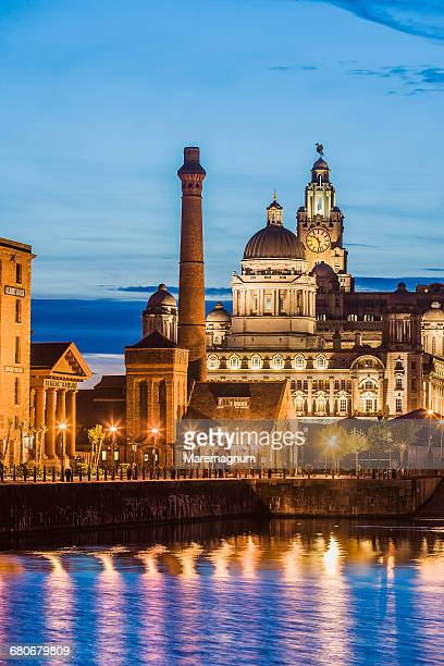 albert dock, pumphouse inn and the three graces - liverpool england stock pictures, royalty-free photos & images